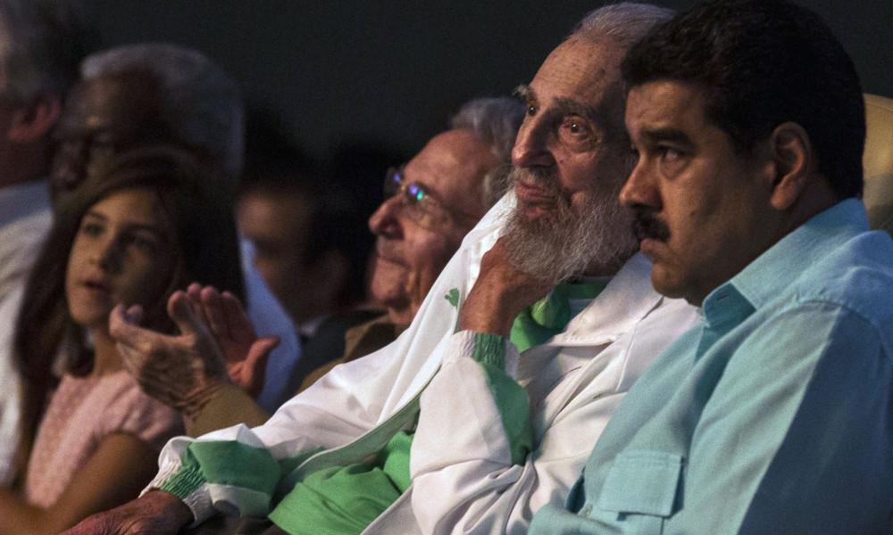 الرئيس الشهم هواري بومدين - صفحة 11 Fidel2