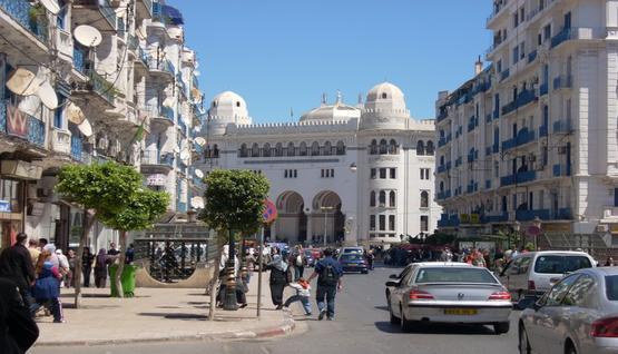 سكان الجزائر بلغ 39,5مليون نسمة بداية 2015 2015-03-2814%3A26%3A19.440093-33313712-555x318
