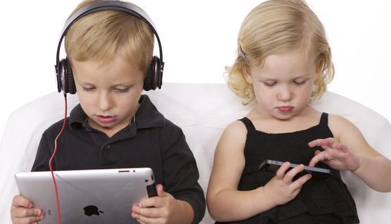 دراسة تحذر من كثرة استخدام الأطفال لوسائل التكنولوجيا الحديثة 2017-05-2921:20: