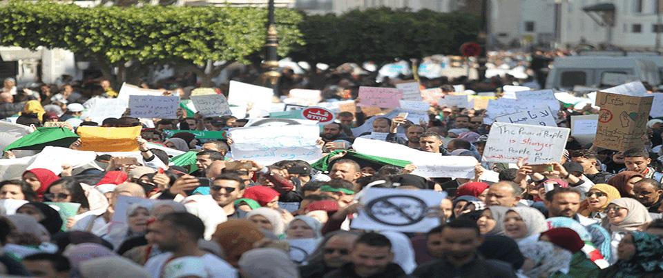 الجزائريون