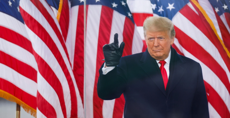 أغلبية الأمريكيين يؤيدون عزل ترامب