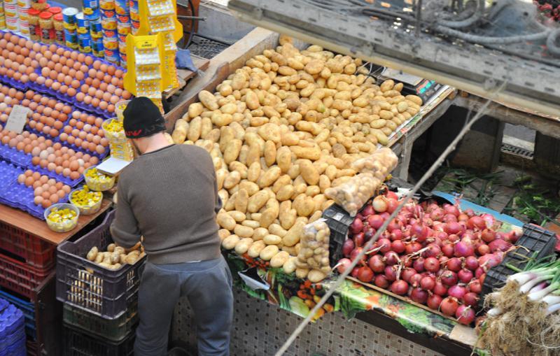 الأسواق الجزائرية.. بؤر للفوضى واللارقابة