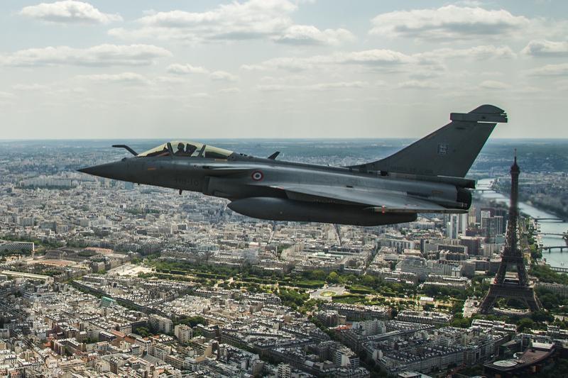 غلق المجال الجوي الجزائري يخلط الأوراق